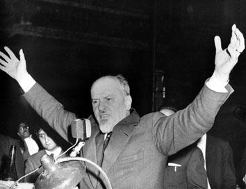Roma, Marzo 1967 - Lelio Basso alla manifestazione Vietnam