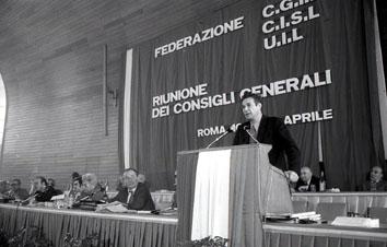 Roma, Aprile 1975 - Luciano Lama ai Consigli Generali Cgil Cisl Uil