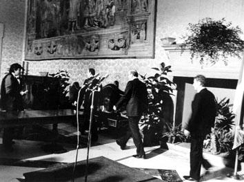Roma, Aprile 1987 - Dimissioni di Bettino Craxi a Palazzo Chigi