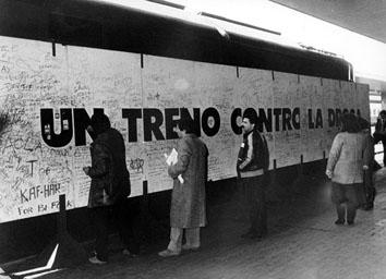Roma, Marzo 1985 - Arci Cgil treno contro la droga