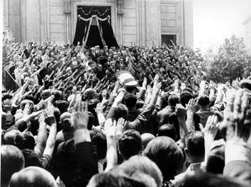 Roma, Luglio 1969 - Saluti romani al funerale di Arturo Michelini