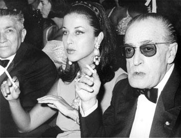 """Roma, Agosto 1966 - Franca Faldini e Totò """"Maschera d'argento)"""