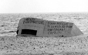 Cagliari, Marzo 1987 - Scritte contro aborto