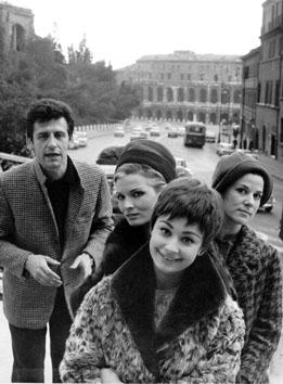 Roma, Febbraio 1965 - Giulio Bosetti, Scilla Gabel, Raffaella Carrà,  Relda Ridoni