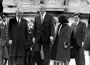 Roma, Dicembre 1991 - Eltsin Boris (Ex Presidente russo) con Virgilio Rognoni (Ministro)