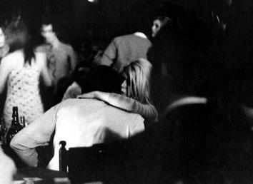 Roma, Maggio 1967 - Brigitte Bardot e Sachs in un locale notturno