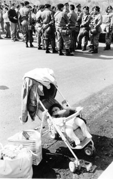 Roma, Maggio 1990 - Polizia sgombera occupanti abusivi