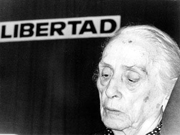 """Roma, Luglio 1976 - Dolores Ibarruri """" la Passionaria """" (politica,attivista e antifascista)"""