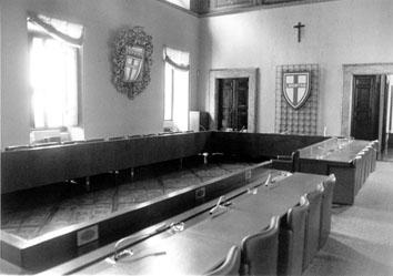 Roma, Aprile 1995 - Salone della Democrazia Cristiana vuoto