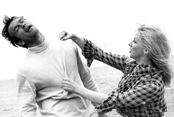 """Roma, Marzo 1965 - Ken Clark e Thea Fleming durante le riprese del film pre """"007"""""""
