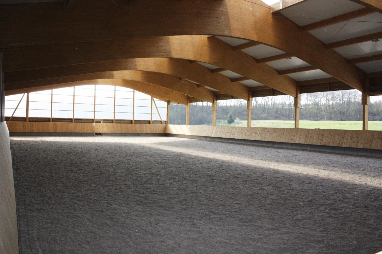 Halle mit offenen Curtains.