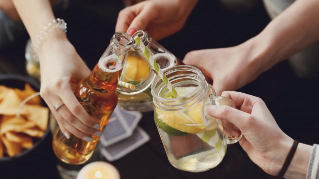 """Deutsche Apotheker Zeitung: """"Deutsche trinken überdurchschnittlich..."""""""