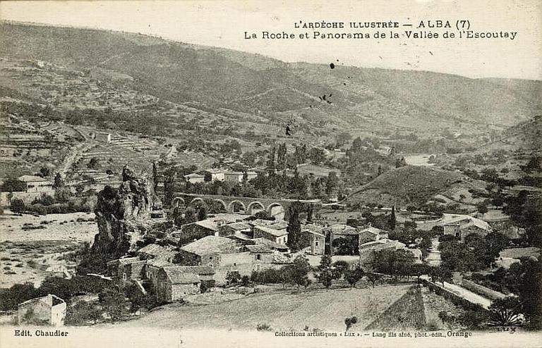 Alba Pont de la Roche, vue du château
