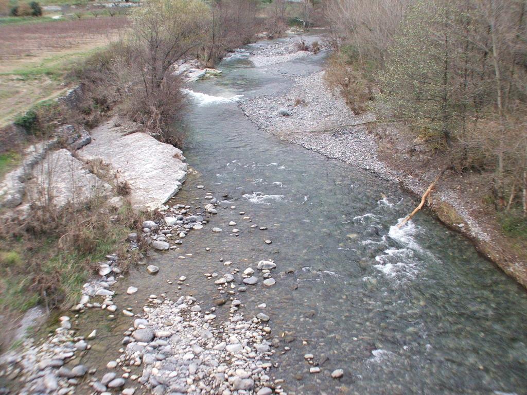 Amont Pont de la Roche