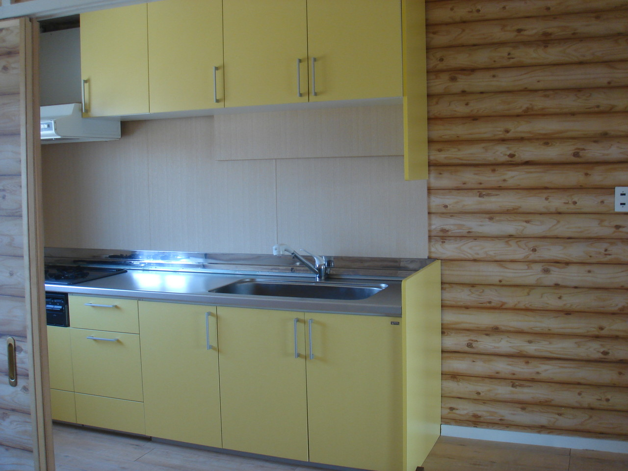 住宅リフォームをさせていただきました。台所です。