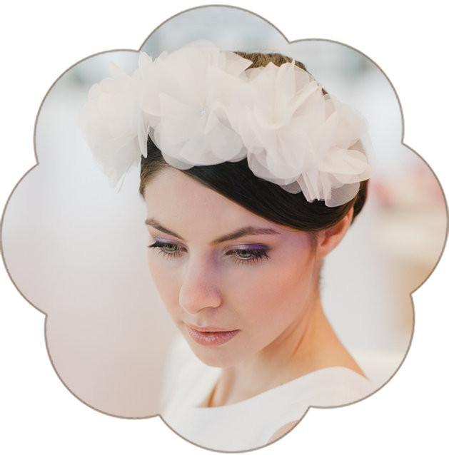 Blütenpracht in Ivory für die romantische Braut!