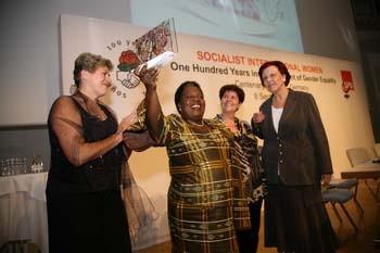 Bild: Foto: 100Jahre SIW, Lissy Gröner, Getrude Mongella, Heidemarie Wieczorek-Zeul