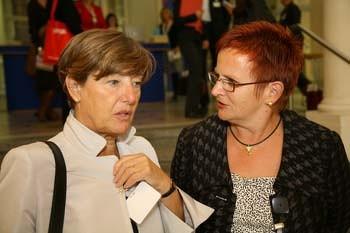 Bild: Foto: EP, 100 Jahre  SIW, Internationaler Frauen-Kongress, Lissy Gröner, Elke Ferner, Pia Locatelli