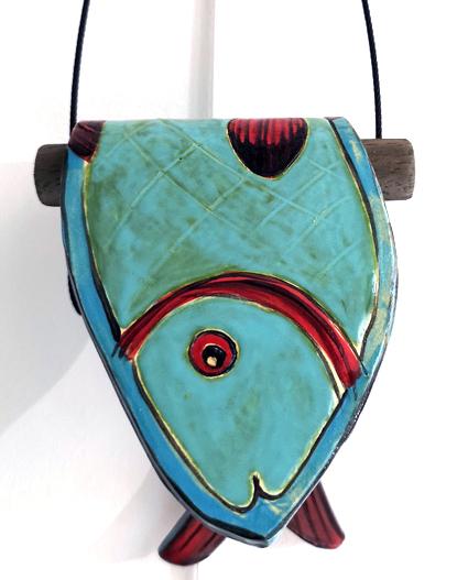 céramique de martine royer, poisson plié bleu