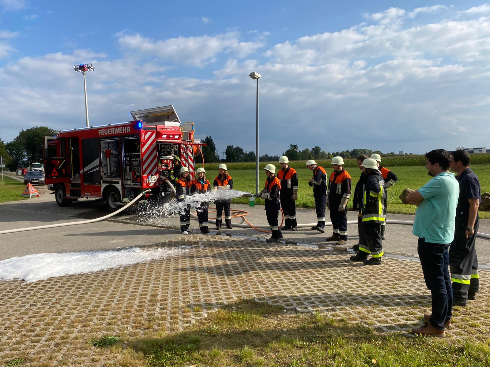 Feuerwehr veranstaltet einen Schnuppertag