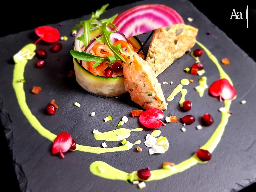 Tartare de saumon à l'assiette