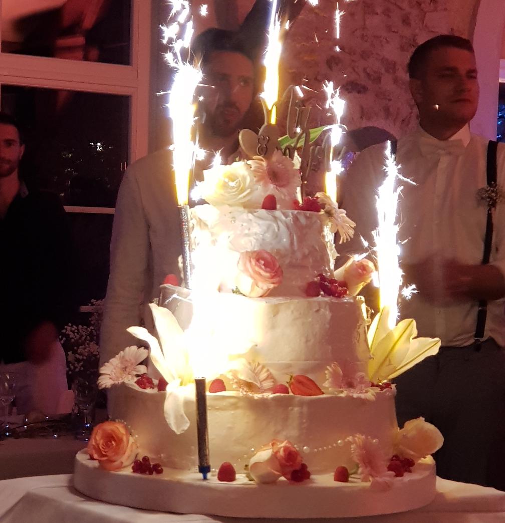 weeding cake meringue