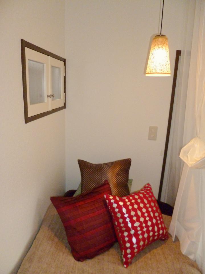 ベッドスペースの灯りと内窓