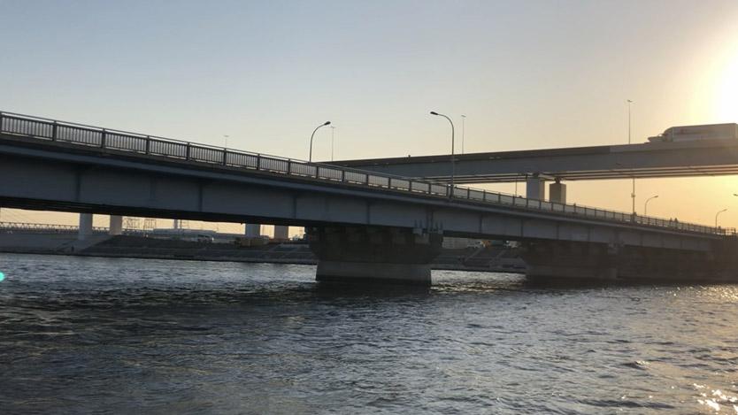 葛西橋 中川下流で良型60cmシーバスゲット 釣り松TV