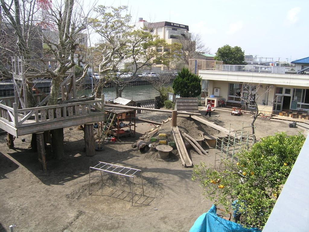2011.4.10 園庭改造(その3)