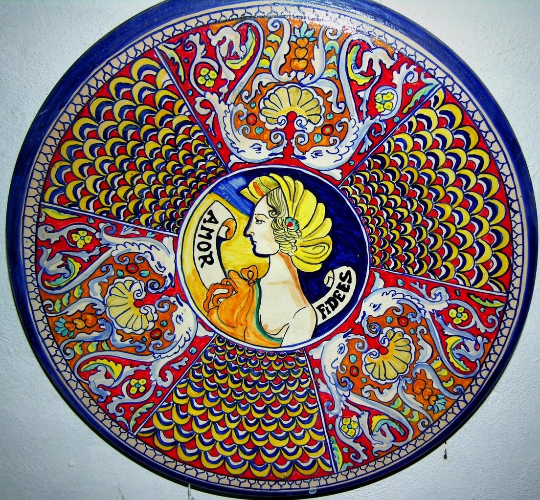 Piatti di ceramica artistica maiolica riproduzione for Libro in ceramica