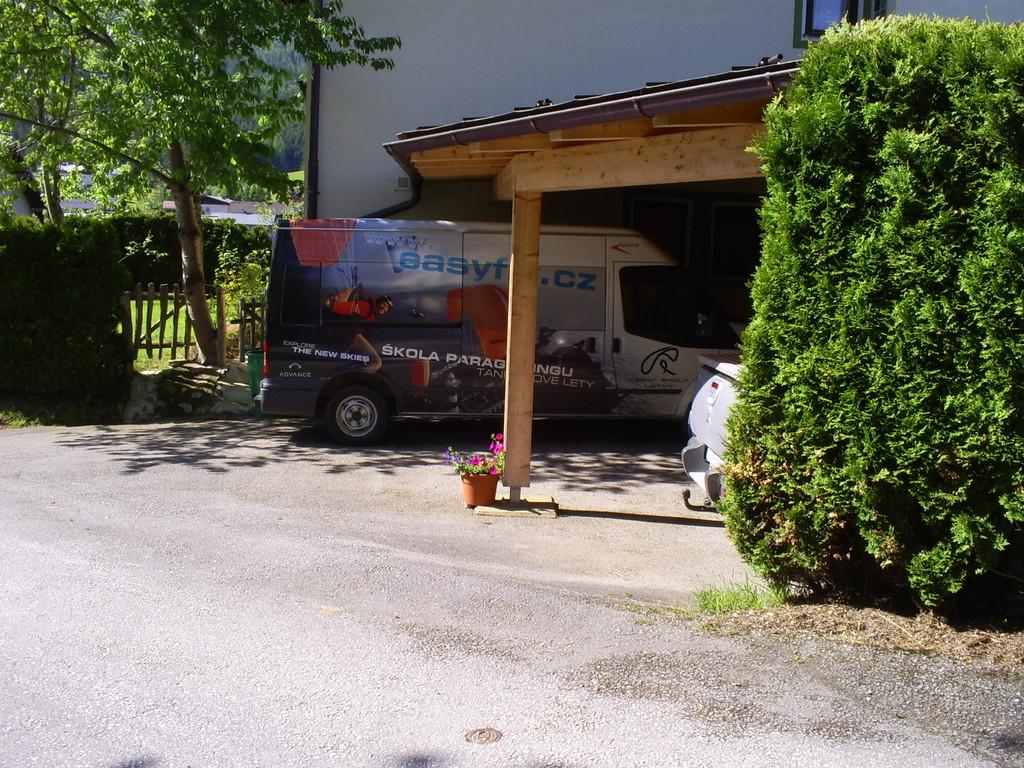 Carport mit 3 Parkplätze