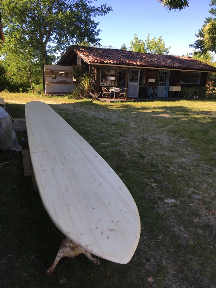 fabrication d'un bar en forme de surf pour Morning star Vieux-boucau-les-bains