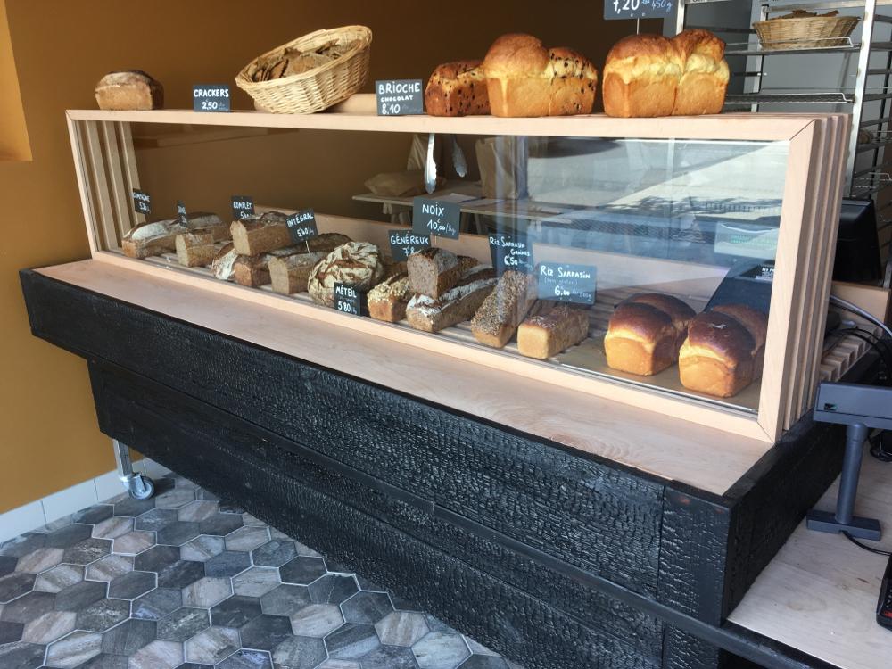 comptoir pour la boulangerie «le pain d'ici» à Castets