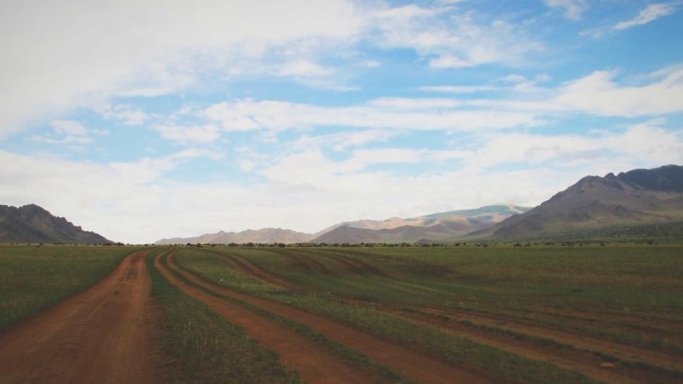 bigousteppes mongolie steppes routes piste camion boue