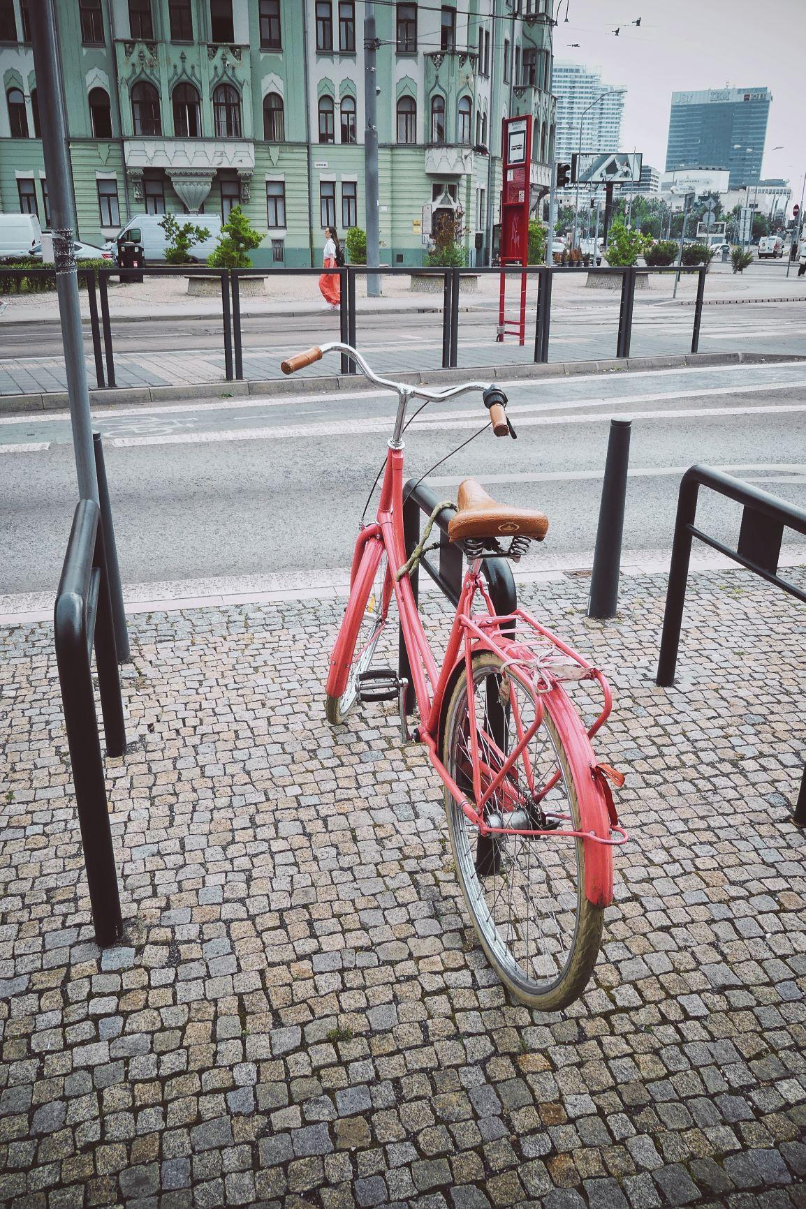 ils ont tous des vieux vélos trop chouette!!