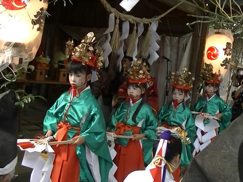 三島神社御祭禮 乙女神楽舞の画像