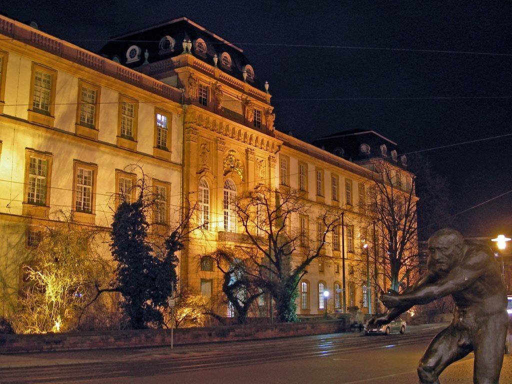 Universitée