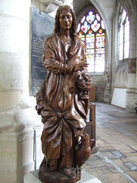 Saint Jean et son aigle Sculpture sur bois Elle provient de l'ancien jubé détruit en 1584.