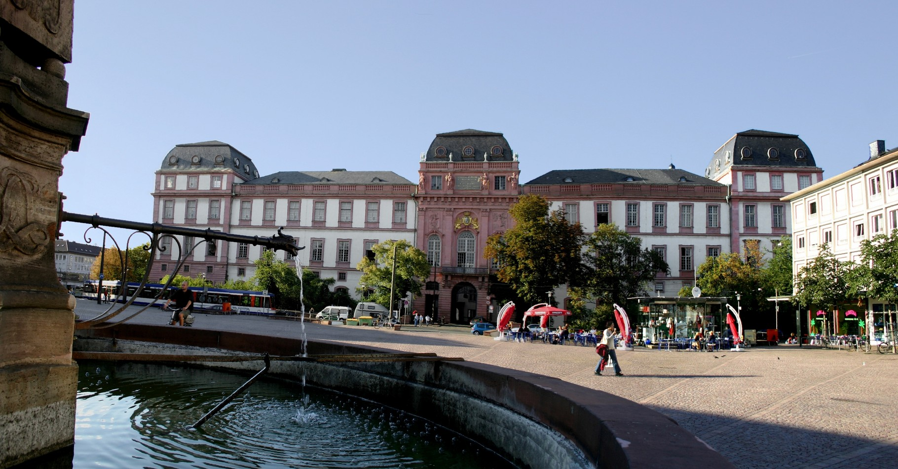 Palace and market place