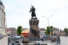 Monument aux morts d'Aix en Othe