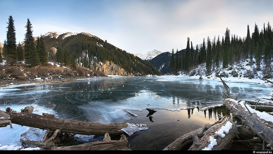 Казахстан пейзаж озеро