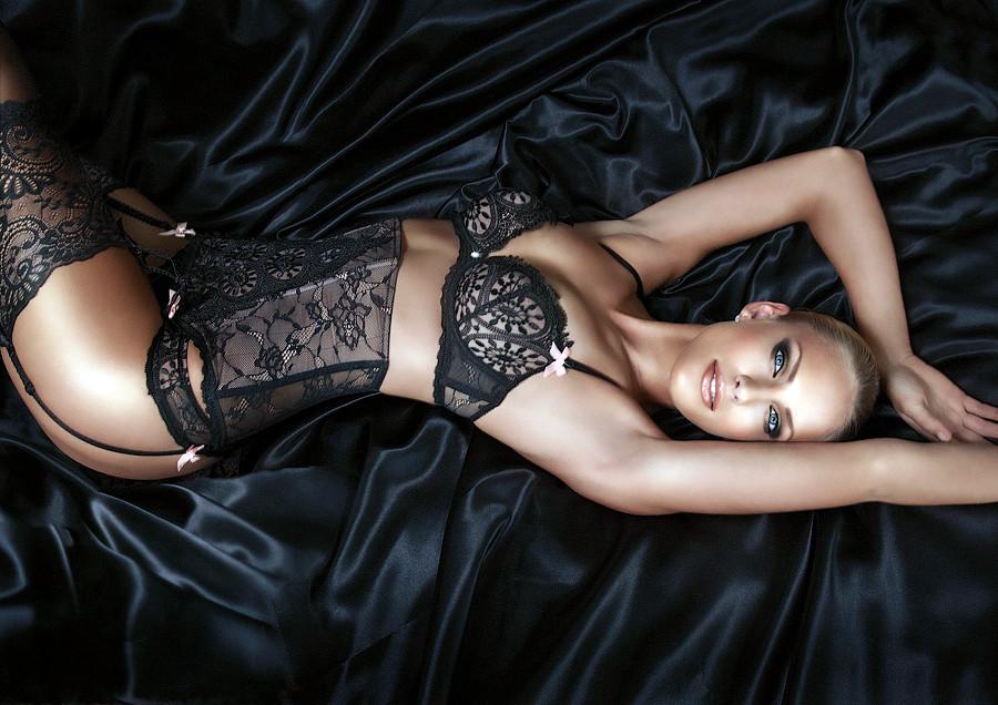 Сексуальн е красив е девушки на рабочий стол