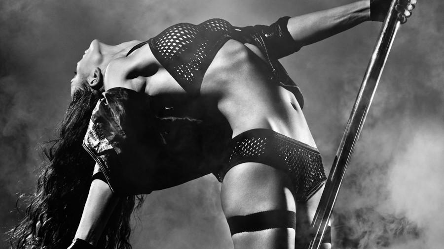 sexy dance girl, сексуальная, девушка, танец, шест, длинные, тёмные, волосы, дым, обои,
