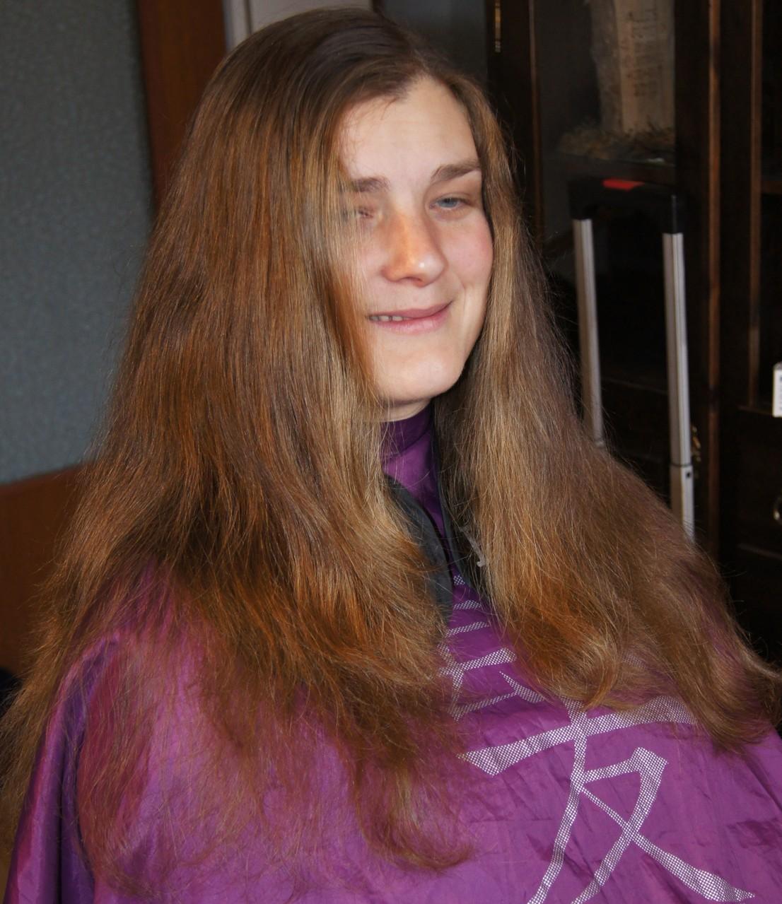 Katja , Anspruch: Fülle raus, alles zu viel und kürzer , aber noch Zopflänge