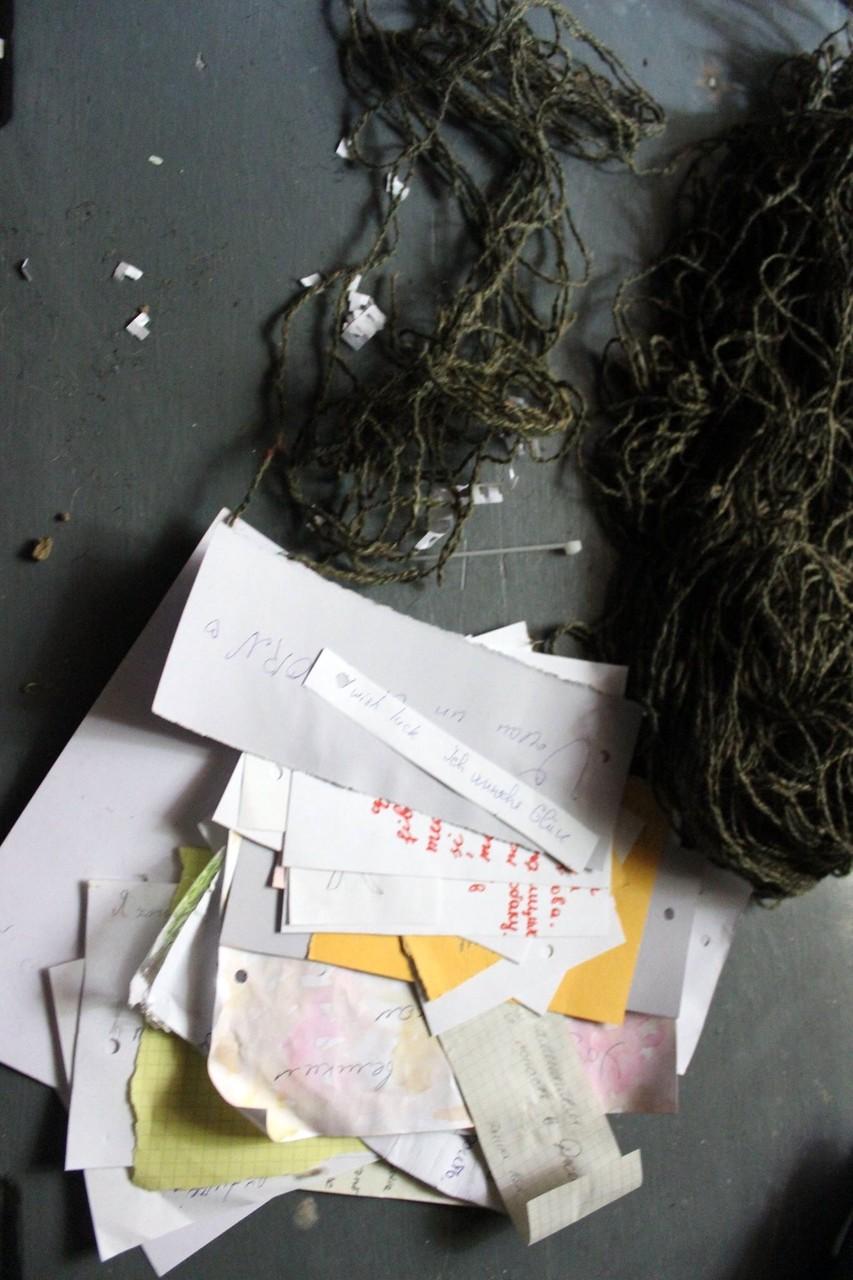 """handwritten wishes """"Galerie Podzemka"""" - Installation WÄRMEPOL/ idea generator"""