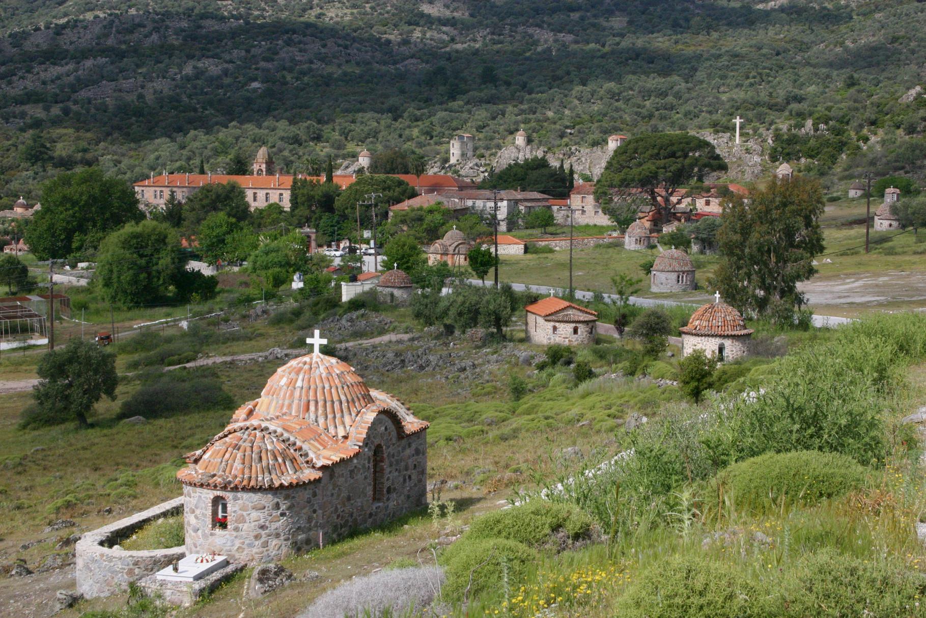 Auf dem Weg Richtung Flughafen: Klosteranlage von Limonos