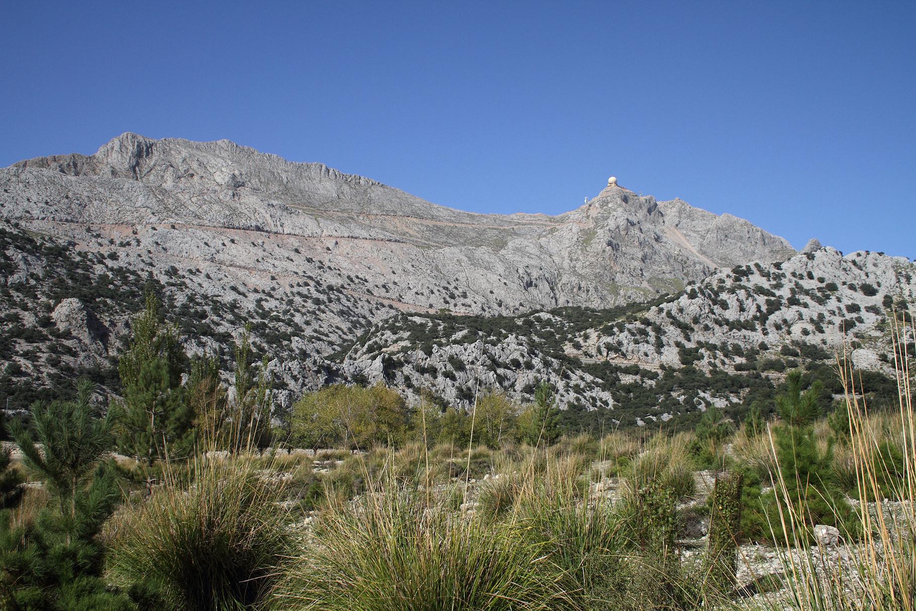 Am Schluss machen wir einen Abstecher ins Tramuntana-Gebirge mit dem Puig Major, dem höchsten Berg von Mallorca