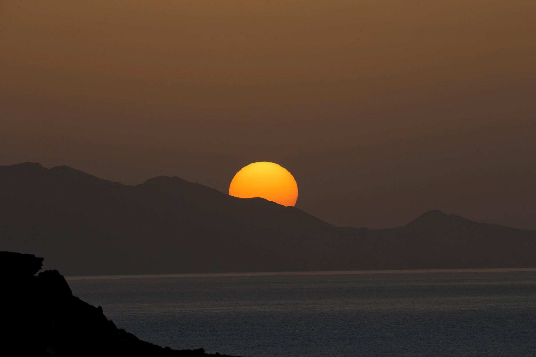 Sonnenuntergang an der Nordwestküste der Jandia, bei wolkenlosem Himmel...
