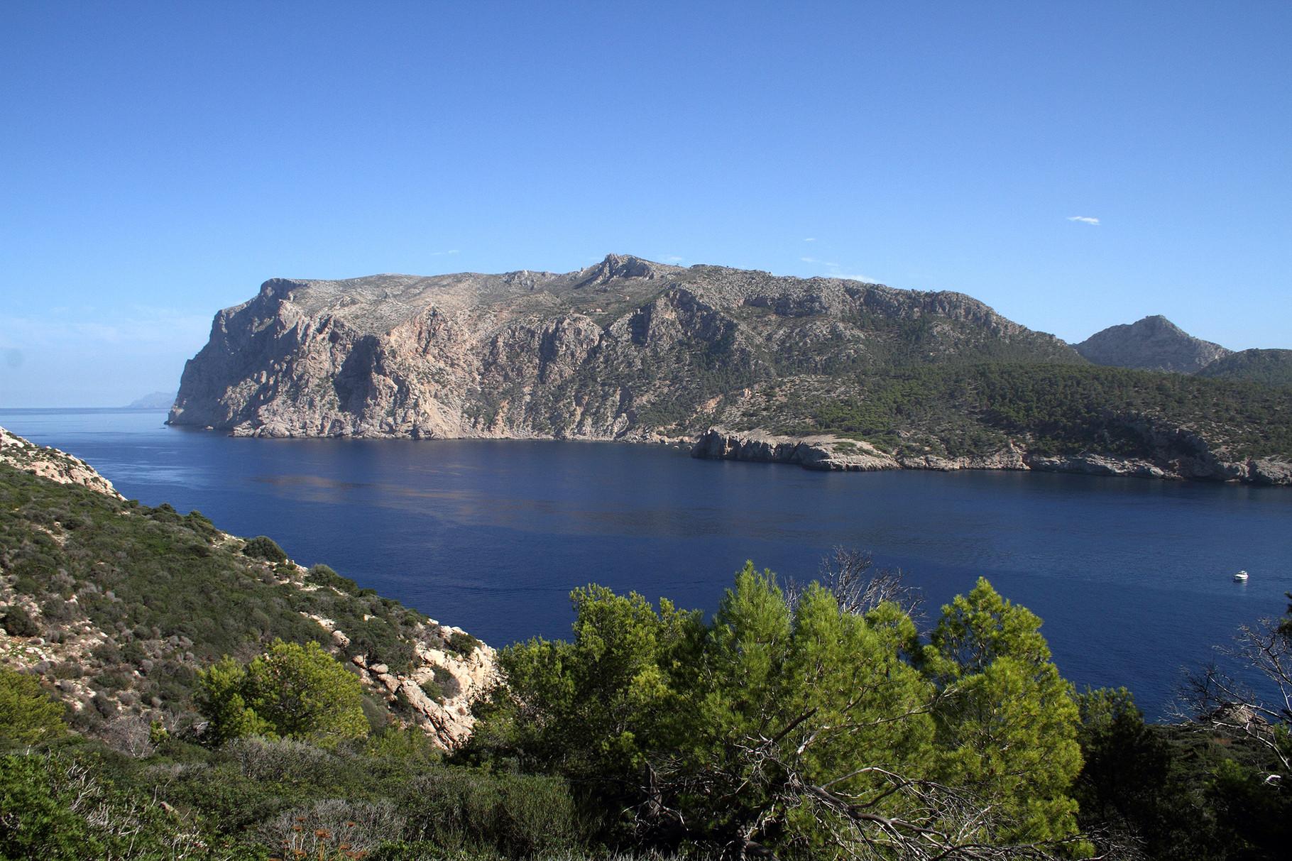 Blick von der Insel Dragonera auf die Westküste