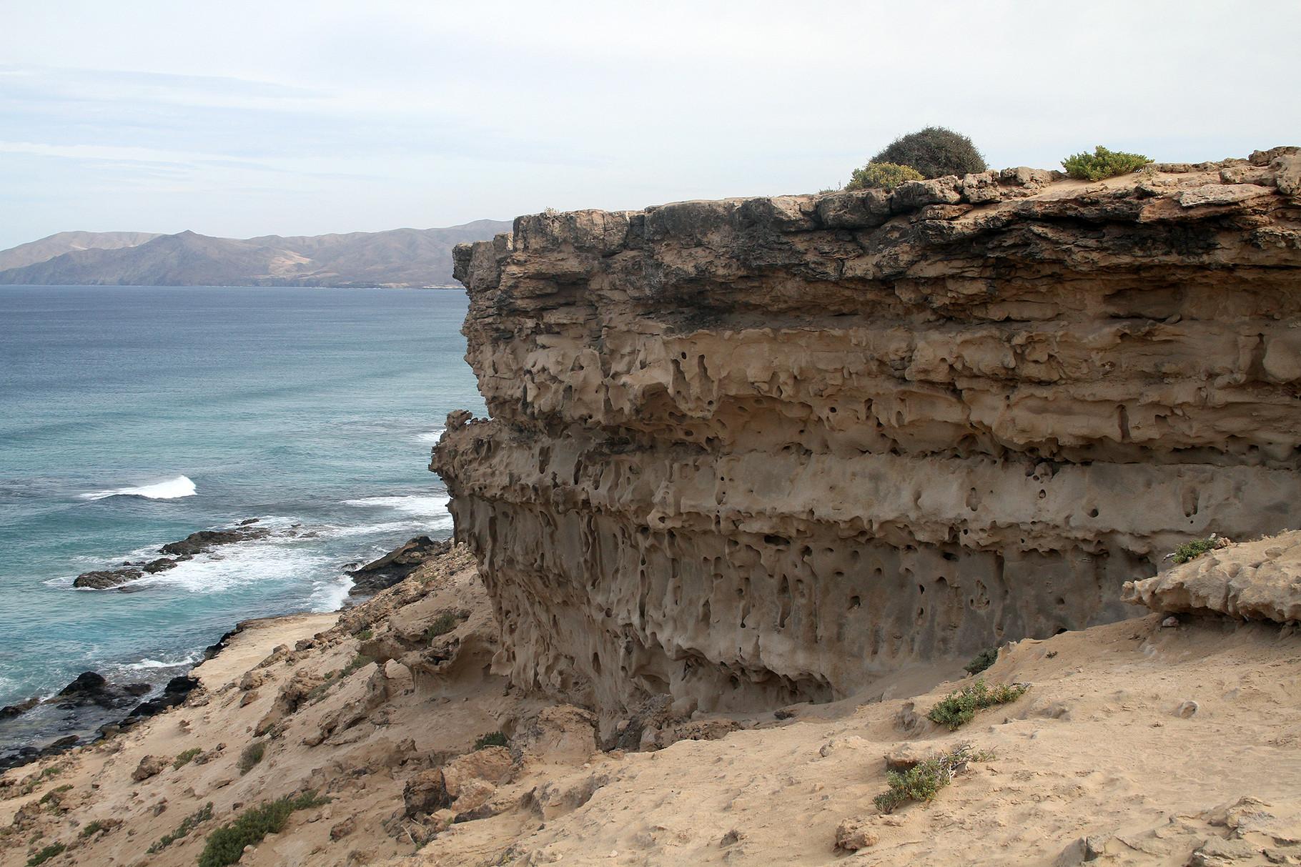 ... stossen Meer und Halbwüste unmittelbar aufeinander